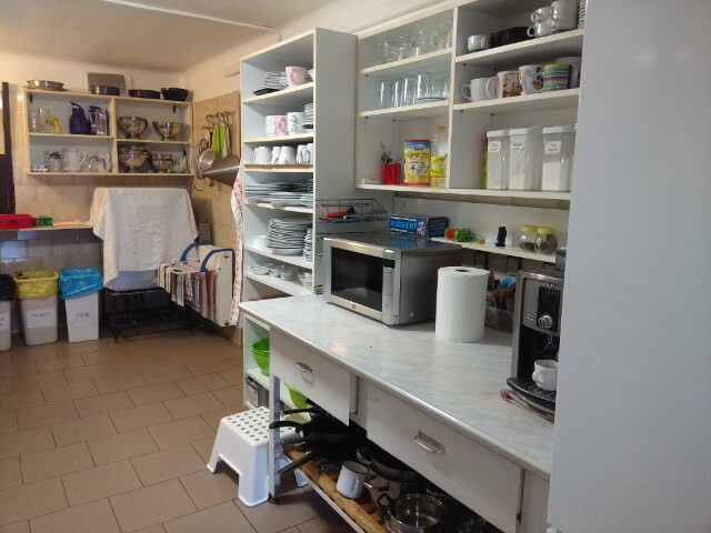chata-lom-ubytovani-vlastni-vareni-krkonose-kuchyn-2